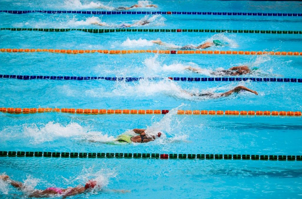 Was Sportlehrer*innen wissen müssen: Kurzsichtigkeit und Sport oder Ich Will Schwimmen!
